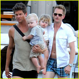 neil-patrick-harris-david-burtka-saint-tropez-with-the-kids