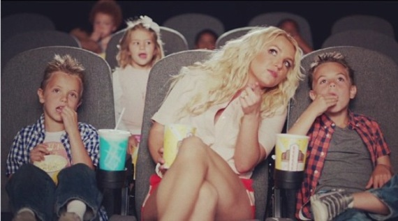 britney-spears-ooh-la-la-video-still