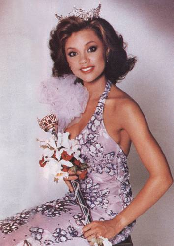 Vanessa-Williams-Crowned-Miss-America
