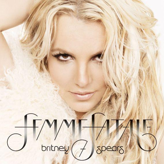 Britney-Spears-Femme-Fatale