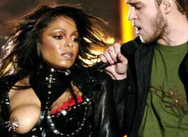 Janet Jackson nip slip