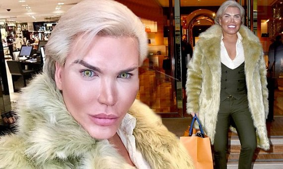 FLYNET - Exclusive: Rodrigo Alves On A Shopping Spree In London